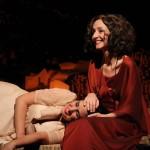 Aos Nossos Filhos: peça de Laura Castro disseca relação mãe e filha