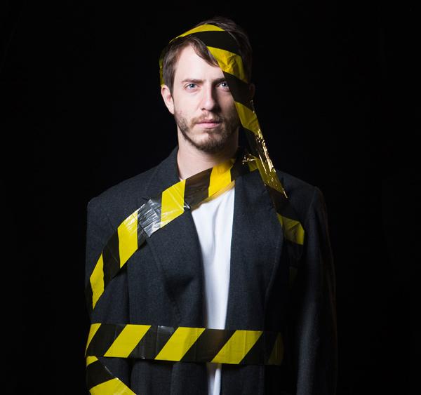 Peça: Amarelo Distante, foto 1