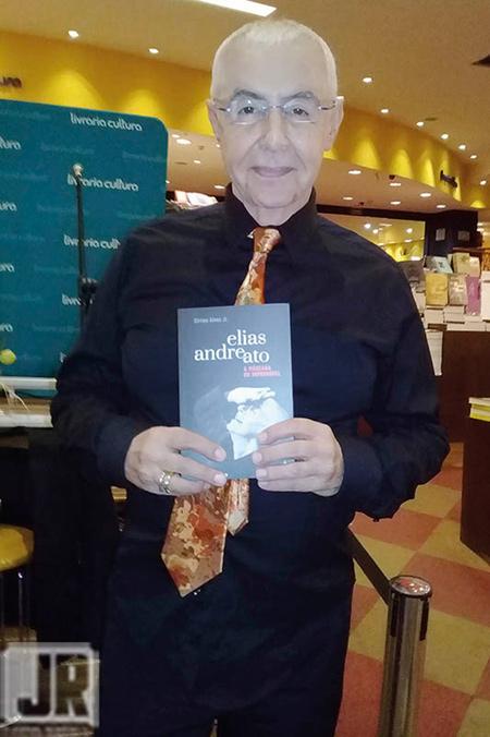 Livro: Elias Andreato -a máscara do improvável, foto 2